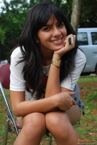 http://xxx-facebook.blogspot.com/2011/03/profil-sexy-beauty-nadila-ernesta.html