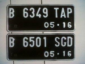 http://oto.detik.com/read/2011/05/ 09/094600/1635217/648/ ini-dia-desain-baru-pelat-nomor-kendaraan?991101 mainnews